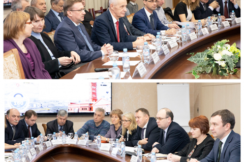 """Head of the CVRE Department Yu. V. Kozhukhov among the participants of the workshop representatives of SPBPU, GUP """"Vodokanal of St. Petersburg"""" and the Committee on energy and engineering with the participation of the Committee Chairman A. S. Bondarchuk and General Director of GUP """"Vodokanal of St. Petersburg"""" E. I. Tselikov"""