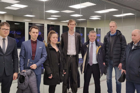 """Specialists of the center """"Compressor, vacuum, refrigeration engineering and pneumatic systems"""" with representatives of the R & D Department of PAO """"Silovye mashiny"""" in the supercomputer center """" Polytechnic"""""""