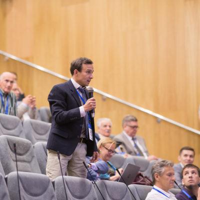 Симпозиум 2018: вопрос докладчикам задает представитель компании S2M (Группа SKF) А.А. Губайдуллин