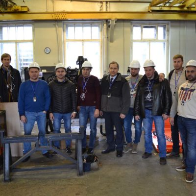 "A group of students of advanced training courses of the scientific and engineering center ""Compressor, vacuum, refrigeration equipment and pneumatic systems"" from LLC ""NOVATEK-TARKOSALENEFTEGAZ"" with the director of the center S.V. Kartashov on a sightseeing tour at LLC Arsenal"