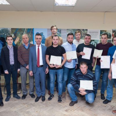 "A group of students of advanced training courses of the scientific-engineering center ""Compressor, vacuum, refrigeration equipment and pneumatic systems"" from LLC ""NOVATEK-TARKOSALENEFTEGAZ"" with specialists of the center"