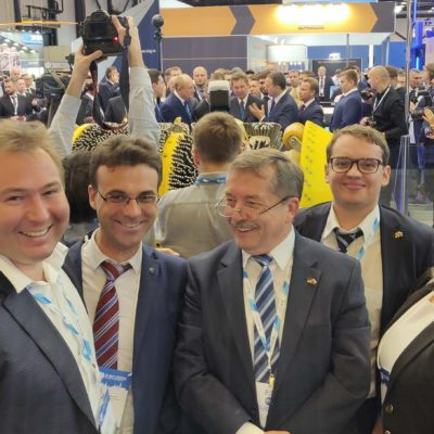 "The St. Petersburg gas forum in 2018. From left to right: general director of OOO ""Tegaz"" I. V. Voroshilov, scientific director of the scientific and engineering center ""Compressor, vacuum, refrigeration engineering and pneumatic systems"" Y. V. Kozhukhov, General Manager of BAUER KOMPRESSOREN Russia Uwe Neumann, sales representative of BAUER Russia A.V. Ryabov, specialist of SEC ""Compressor, vacuum, refrigeration engineering and pneumatic systems"" N. M. Tuzova"