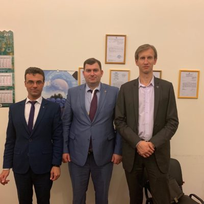 """From left to right: head of the research group """"Compressor, vacuum, refrigeration equipment and pneumatic systems"""" Yu.V. Kozhukhov, vice-rector for social and educational work and external relations, BSTU """"VOENMEKH"""" named after D.F. Ustinova M.G. Goguadze, Deputy Head of the Scientific Group of the CVRT&PS S.V. Kartashov"""